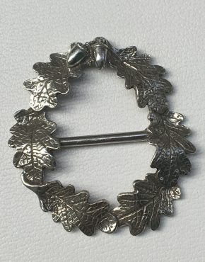 oak leaf wreath scarf ring