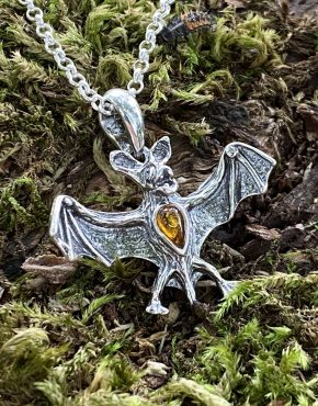 Amber 'Dracula' the Bat Pendant (ACSMBAT1181)