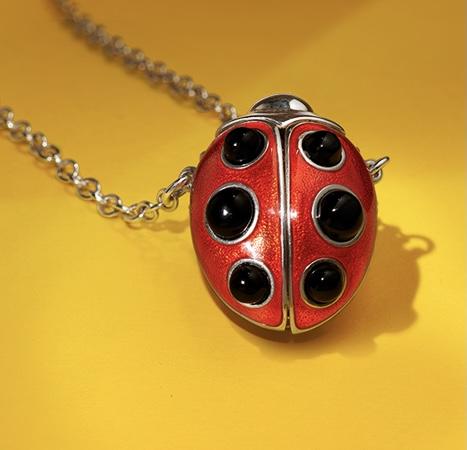 Lucky Ladybird Pendant ACSHJ225-05-145