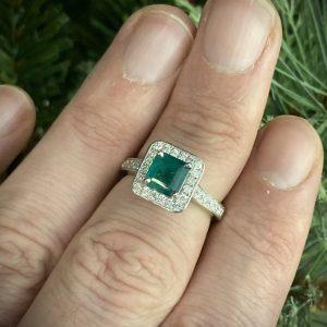 Emerald Princess with Diamond Halo & Shoulders ACV041/5