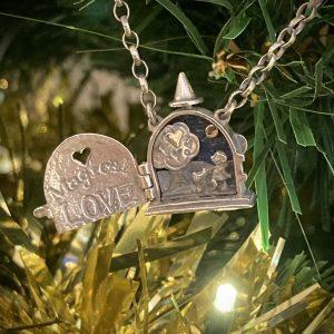 Magical Love Locket ACNH194