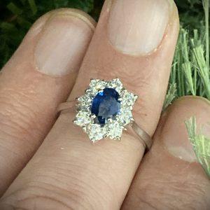 Oval Sapphire & Round Brilliant Diamond Cluster ACV041/7