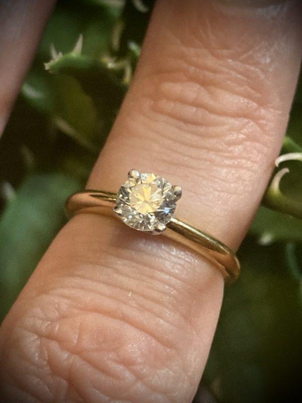 Diamond Round Brilliant 3/4 Carat Solitaire Ring ACV027.