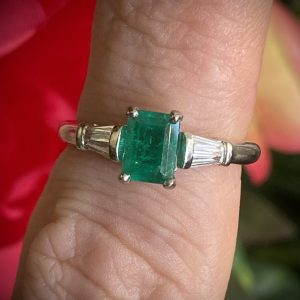 Baguette Emerald 0.60ct Ring with Tapered Baguette Diamonds ACX924