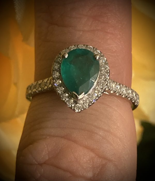 Pear Shaped 1ct Emerald with Diamond Halo and Shoulders ACV1901