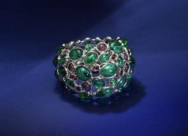 Amphitrite Glass and Crystal Cabochon Bangle ACSHJ036-01-149